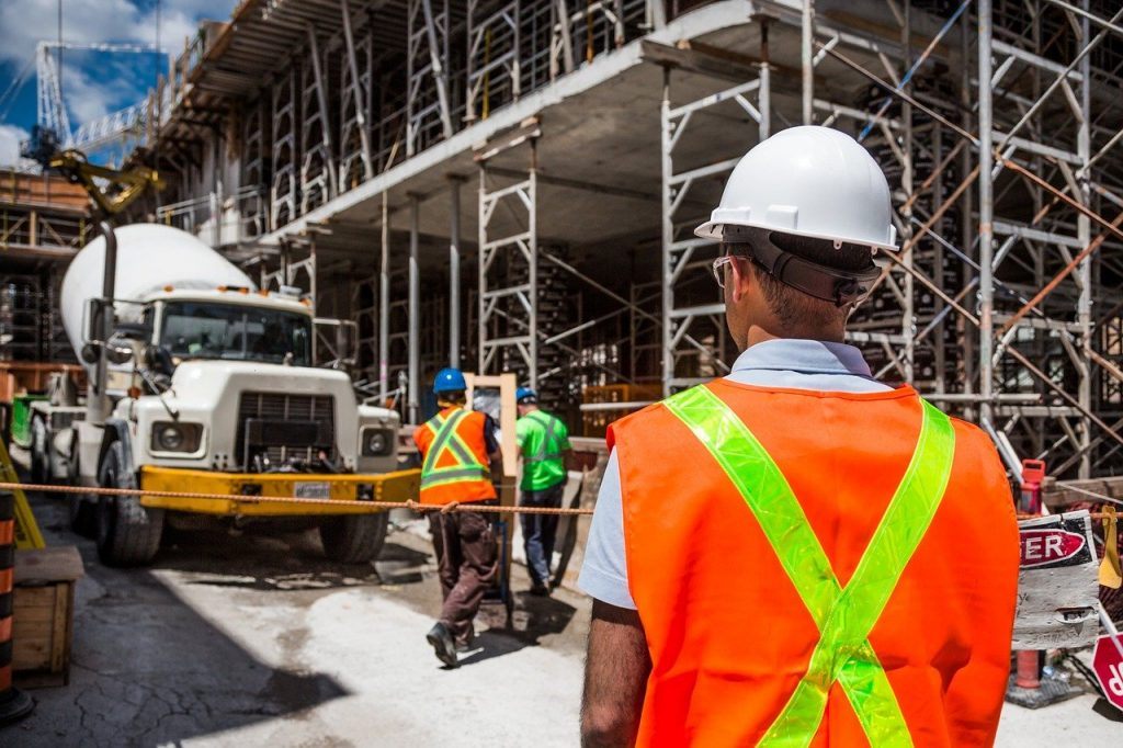 6 essential health and safety protocols for construction sites
